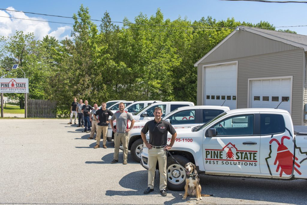 Vehicle Lineup With Techs And Dog_6(1)